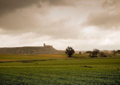 Vista panorámica de Cañada del Hoyo y al fondo el Castillo del Buen Suceso.